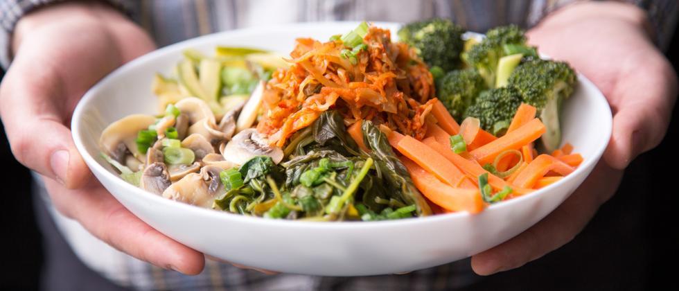 Ernährung: Gesund, gesünder, Essstörung
