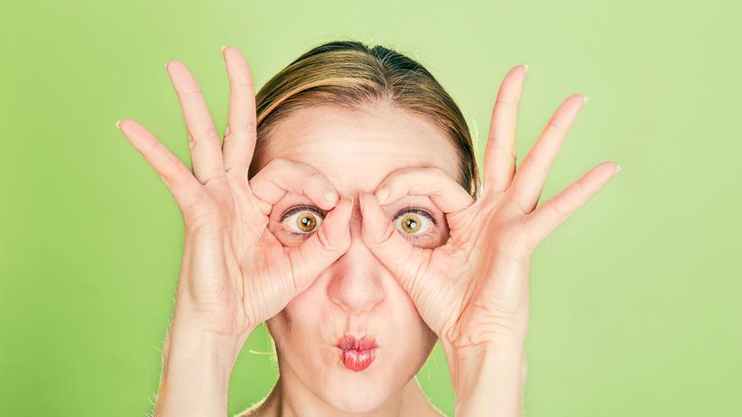 Augengymnastik: Für die Gesichtserkennung werden meistens charakteristische Merkmale, wie Nase, Mund und Augen analysiert.