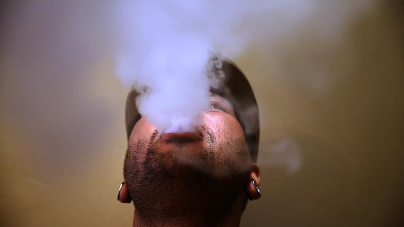 Drogenbericht der Bundesregierung: Drogenbeauftragte warnt vor E-Zigaretten und Wasserpfeifen