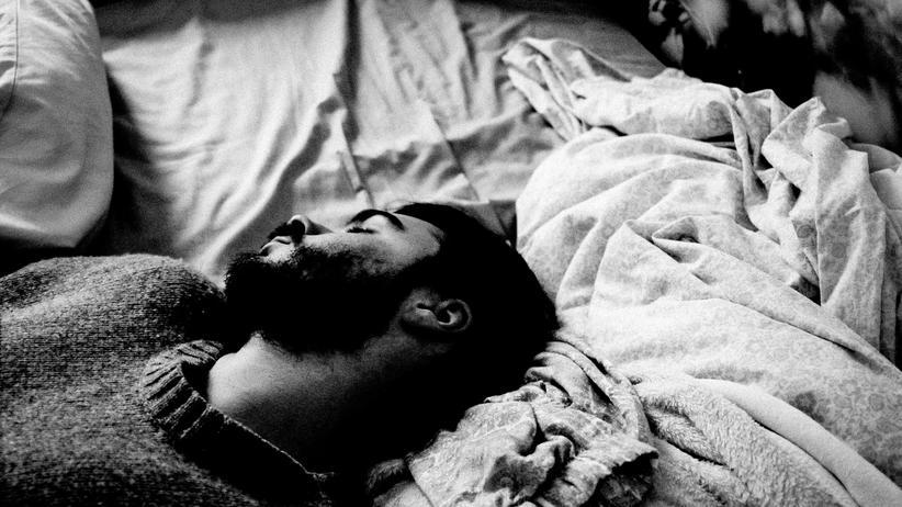 Schnarchen Schlaf Apnoe Nacchtruhe Dezibel Gesundheit
