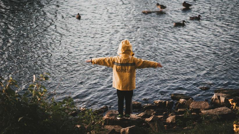 Psychische Krankheiten: Eine grüne Umgebung könnte für die mentale Gesundheit von Kindern förderlich sein.