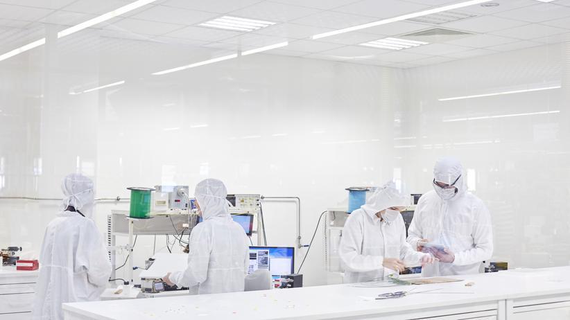 Schadstoff-Grenzwerte: Echte Wissenschaftler bei der Arbeit