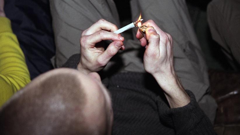 Cannabis-Legalisierung: Ungefähr eine von 10 Personen, die THC-haltiges Cannabis konsumieren, entwickeln eine Abhängigkeit. Hätten Sie das gewusst?