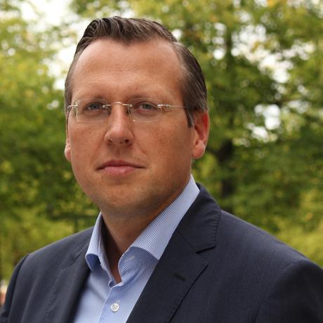 Nahrungsergänzungsmittel: Martin Smollich ist Pharmazeut und leitet am Uniklinikum Schleswig-Holstein die Arbeitsgruppe Pharmakonutrition. Seit 2016 ist er außerdem außerordentliches Mitglied der Arzneimittelkommission der deutschen Ärzteschaft.