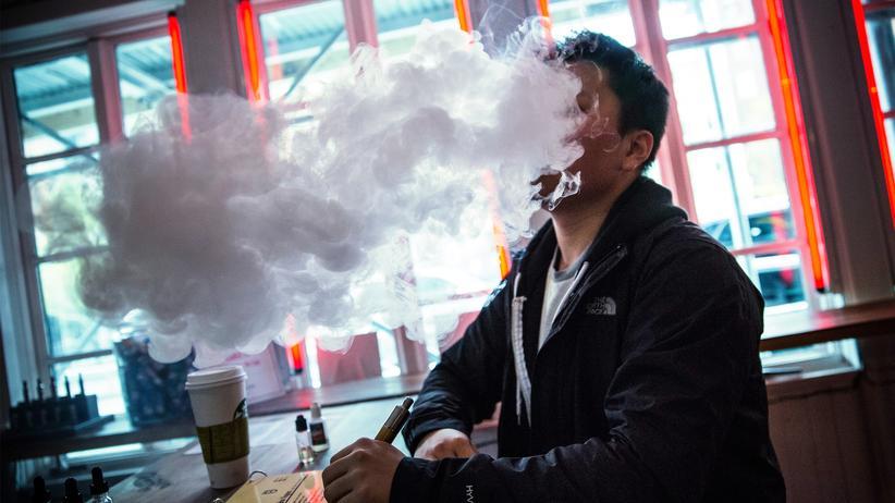 E-Zigaretten werden als mögliche Ursache von Lungenkrankheit überprüft