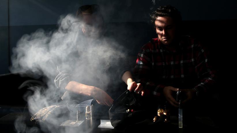Vitamin-E-Acetat: Wie gefährlich sind E-Zigaretten?
