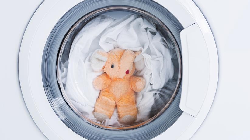 Infektionskrankheiten: Waschmaschinen sollen für Hygiene sorgen. Doch nicht immer tun sie das auch.