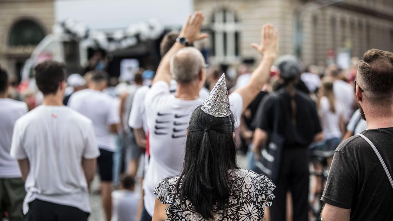 Corona-Demonstration in Berlin: Politischer Geschmack rechtfertigt keine Demo-Absage