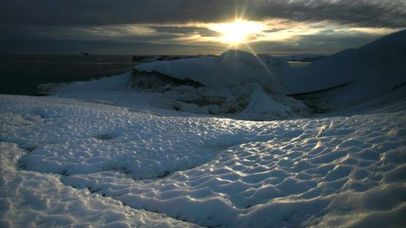 Klimaforschung: Forscher glauben, dass das schmelzende Grönland ein Thermometer für die globale Erwärmung sei. Es braucht jedoch Modelle, um die Auswirkungen der Eisschmelze zu verstehen