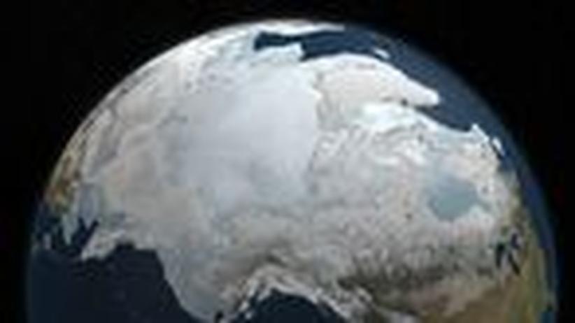 Klimaforschung: Eis in der Arktis schmilzt schneller als befürchtet