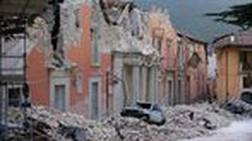 Erdbeben in Italien: Die Opfer des Bebens von L'Aquila klagen an