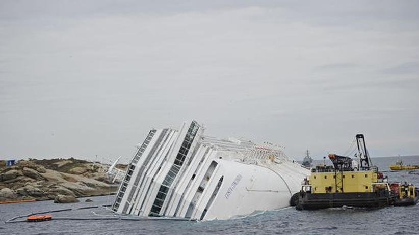 Costa Concordia: Letztes Schweröl aus Schiffswrack gepumpt