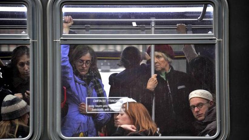 Wirbelsturm Sandy: New York kämpft sich in den Alltag zurück