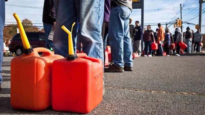 Wirbelsturm-Katastrophe: Sturmopfer streiten sich ums Benzin