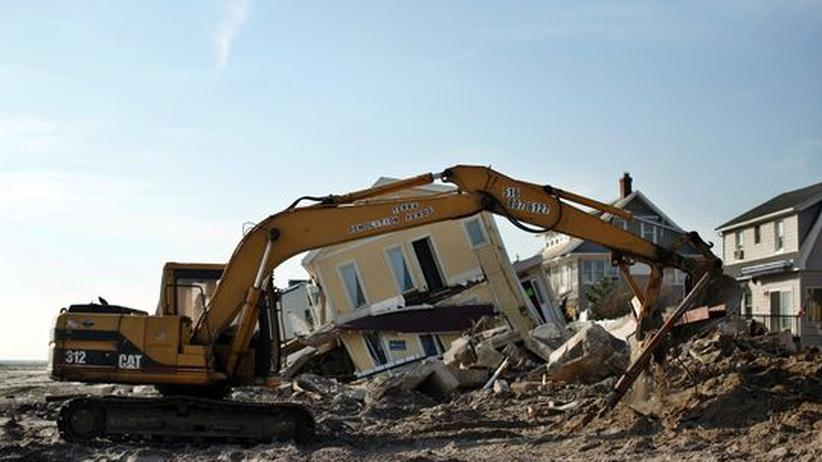 Hurrikan Sandy: Zerstörung nach Hurrikan Sandy am Rockaway Beach in Queens, New York