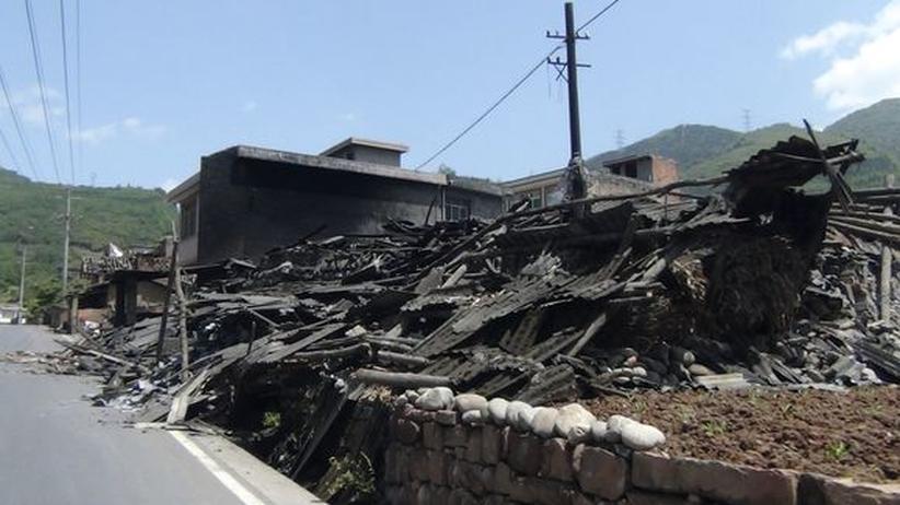 Provinz Sichuan: Mehr als 100 Tote durch Erdbeben in China