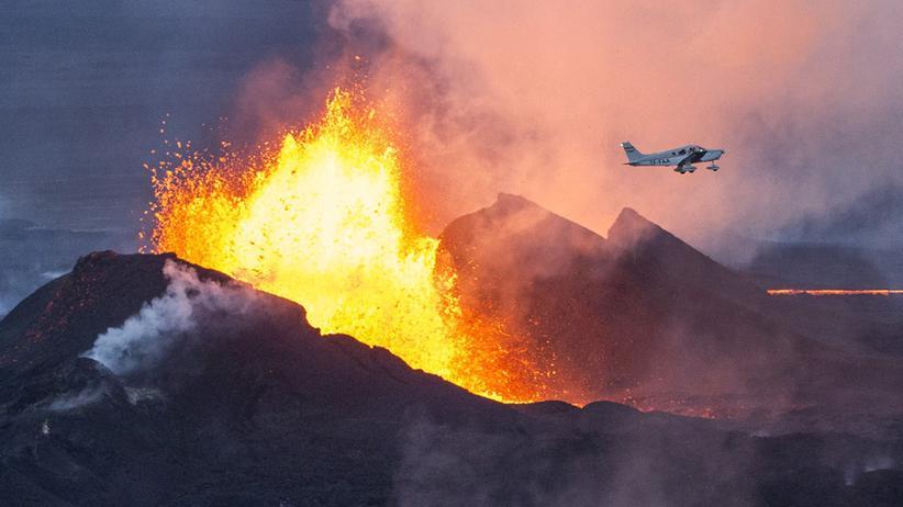 Island: Ein Vulkanausbruch, schön wie ein Gemälde
