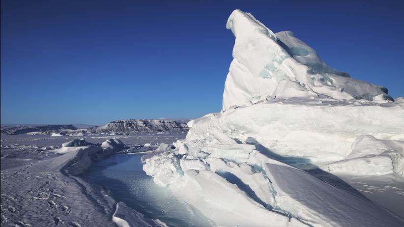 Klimaforschung: Ein Eisberg in Pituffik, Grönland