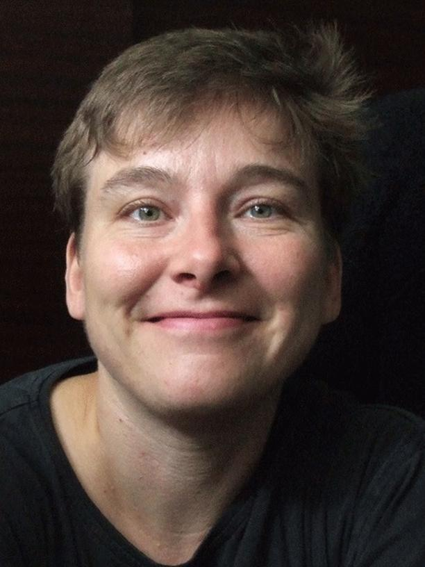 Wespen: Melanie von Orlow ist behördlich bestallte Umsiedlerin streng geschützter Hautflügler und wurde bereits mehrfach für ihren Einsatz zum Schutz der Insekten ausgezeichnet.