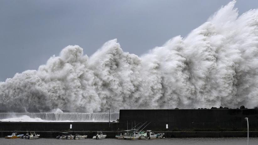 Taifun Jebi: Tote und Verletzte durch schweren Wirbelsturm in Japan