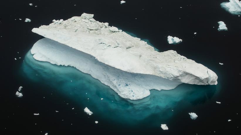 Klimawandel: Ein treibender Eisberg vor Grönland