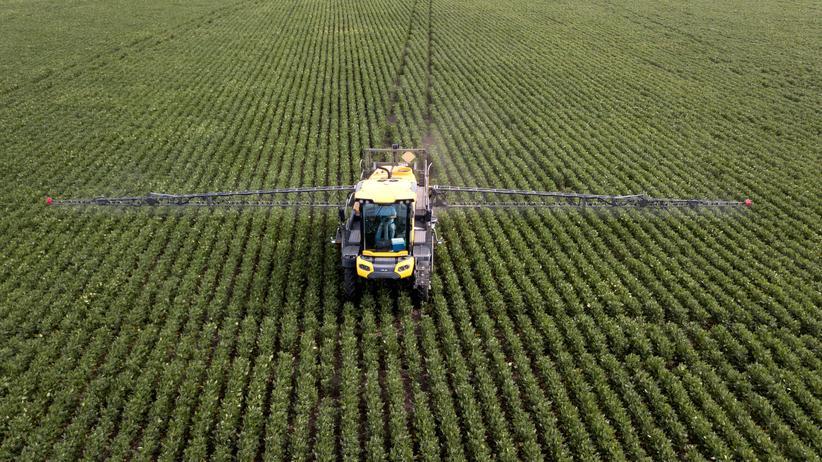 Pflanzenschutzmittel: Zulassung für Glyphosat bis zum Jahresende verlängert