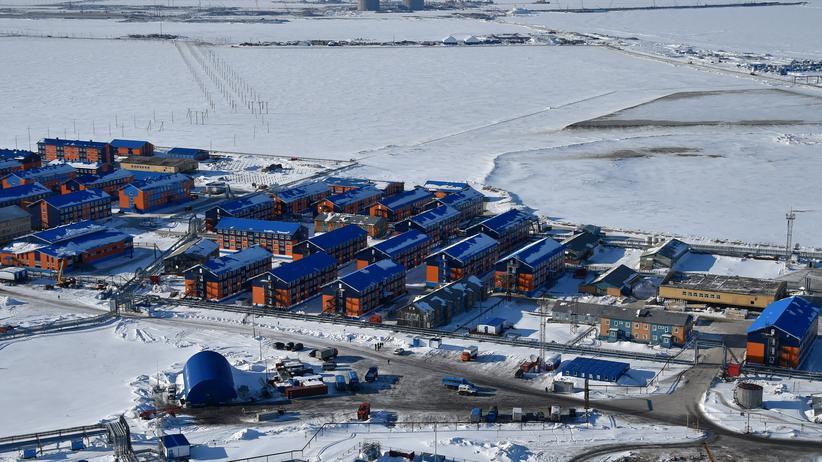 Polarforschung: Das Dorf Sabena an der Küste der Karasee, eines der Randmeere des Arktischen Ozeans