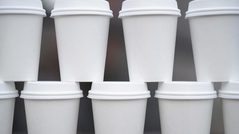 Benutzung von Einweg-Kaffeebechern soll teurer werden