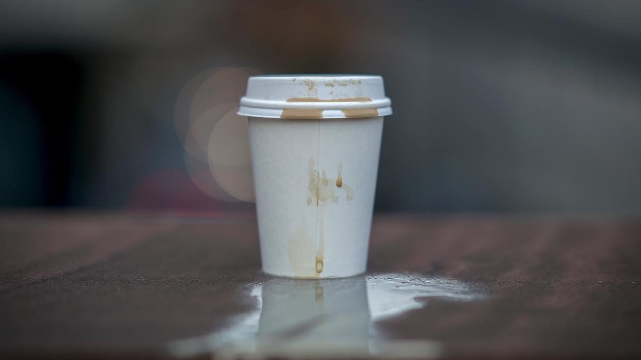 Umweltschutz: Benutzung von Einwegkaffeebechern soll teurer werden