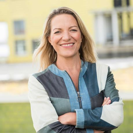 Walfang: Antje Boetius ist Meeresbiologin und Direktorin des Alfred-Wegener-Instituts in Bremerhaven. Als Tiefseeforscherin lauscht sie Walgesängen.
