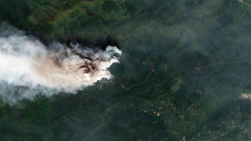 Klimawandel: Die Satellitenaufnahme vom 9. Juli 2019 zeigt einen Brand nordwestlich von Fairbanks in Alaska.