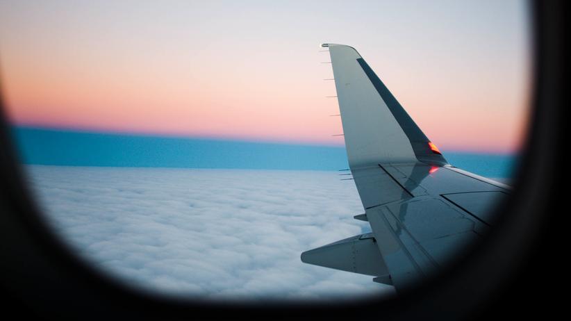 Klimaschutz: Svenja Schulze will das Fliegen teurer machen