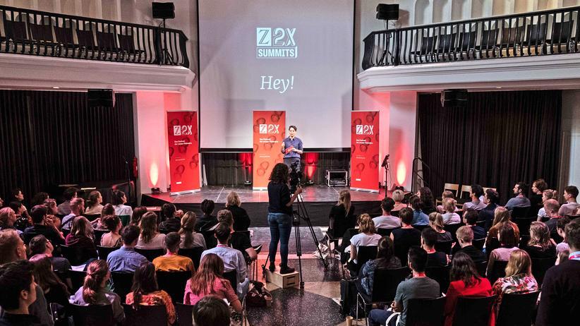 Z2X Summit: Im Silent Green Kulturquartier in Berlin sind junge Visionäre zum Z2X-Summit Europa zusammengekommen.