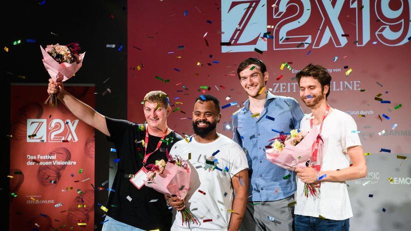 Z2X: Sven Richter, Orry Mittenmayer, Robert Walter und Louis Longin (v.l.n.r.) erhielten für ihre Projekte die meisten Stimmen des Z2X19-Publikums