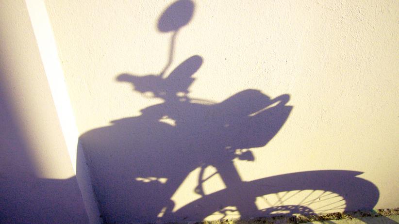 Der Schatten eines Motorrads