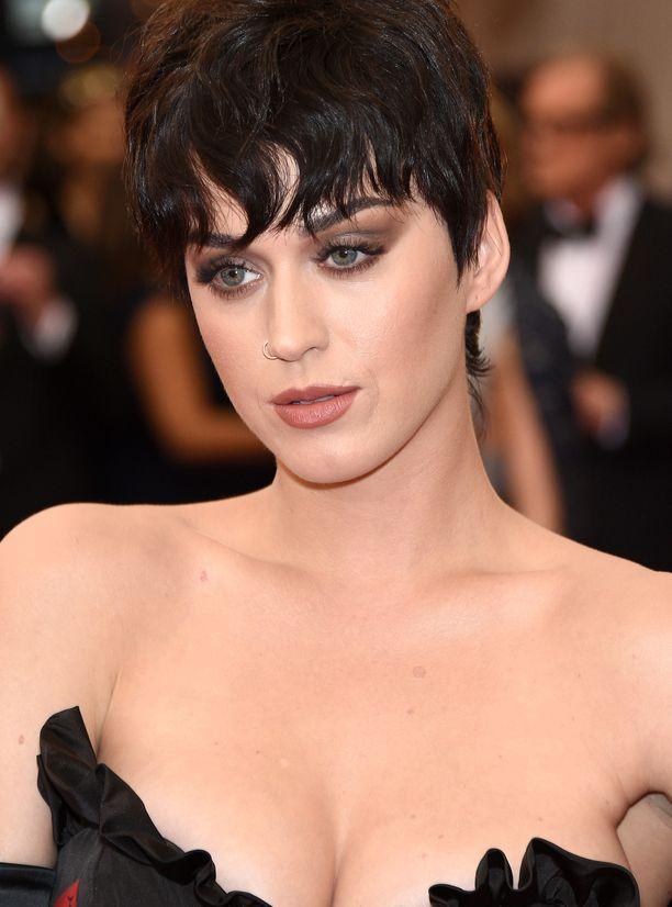 Zeit Magazin, Katy Perry, Immobilienkauf, Los Angeles, Diözese, Erzbischof, Gericht