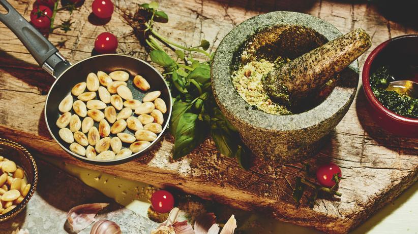 Tomaten-Mandel-Pesto: Kochen für Faule