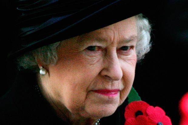 Gesellschaftskritik: Queen Elizabeth II während der Zeremonie zum Remembrance Day 2017