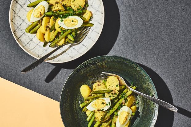 Wochenmarkt: Salat mit Kartoffeln, grünen Bohnen und Ei