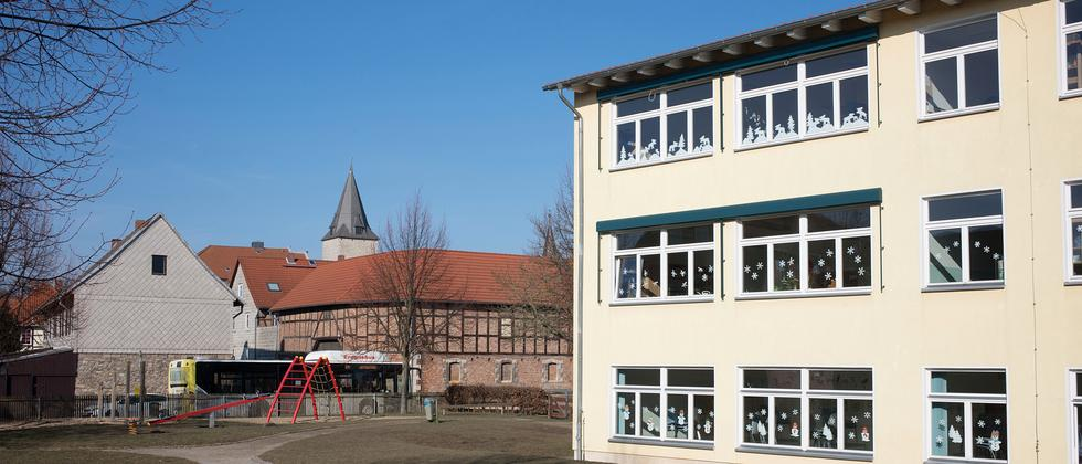 Hessen Grundschule Schulbus Dorf