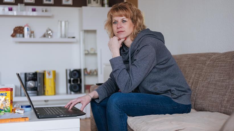 Sternenkinder: Auf Katrin Titzes Laptop finden sich Ordner voller Fotos. Jeder dieser Ordner ist einem Sternenkind gewidmet.