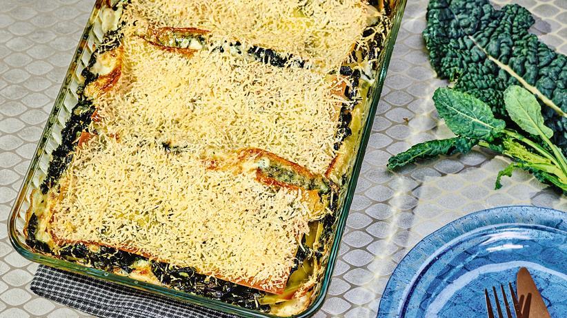 Lasagne mit Schwarzkohl: Gebadet in Béchamel