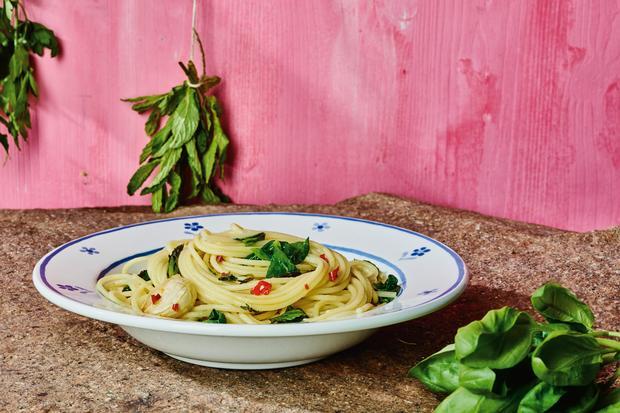 Spaghetti mit Kräutern: Einfach gute Pasta