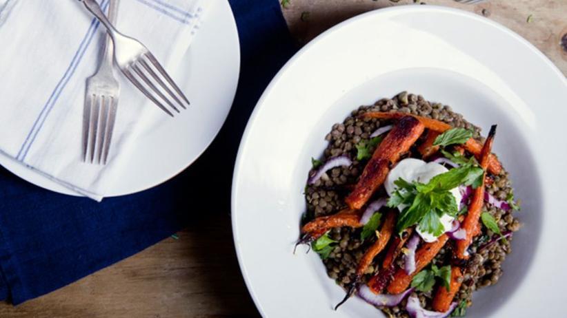 Linsensalat mit Ofen-Karotten