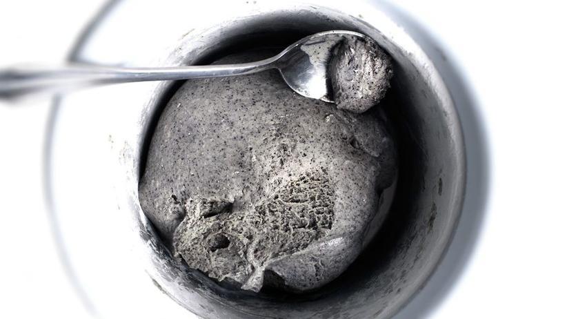 Schwarzes Sesameis