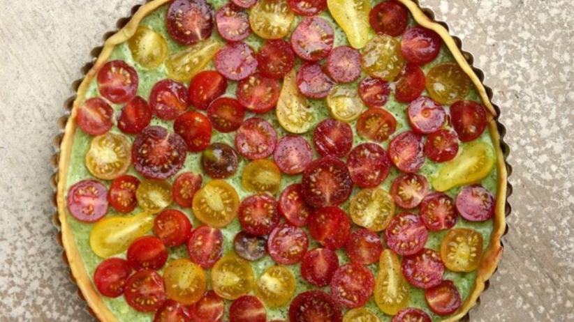 Tomatentarte mit Ziegenkäse-Basilikum-Creme