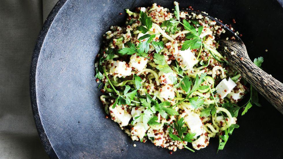 Sonntagsessen: Quinoa-Salat mit Zucchini und Feta