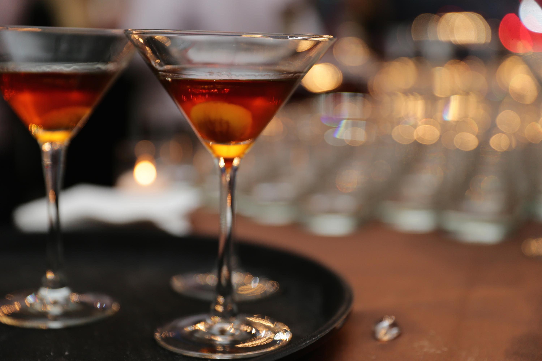 Aperitif: Der Manhattan besteht aus amerikanischem Whiskey und rotem süßen Wermut.
