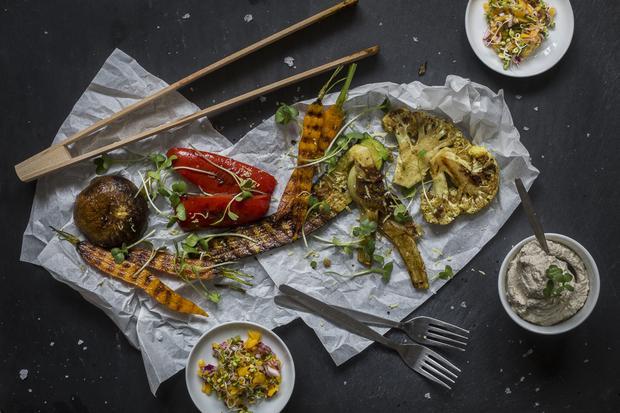 Sonntagsessen: Indisch mariniertes Grillgemüse mit Sprossen-Relish