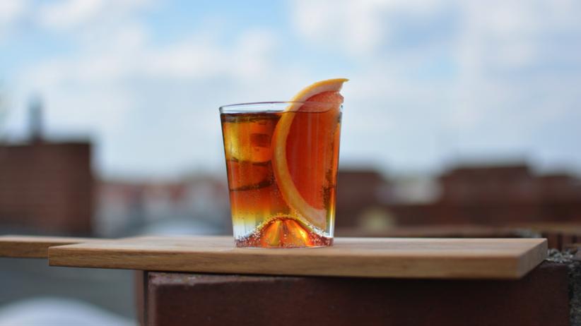 Cold Brew ist ein Getränk für jede Tageszeit: morgens pur, mittags mit Tonic, abends mit Gin.